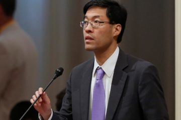 Photo of Sen. Richard Pan speaking to lawmakers in Sacramento