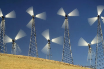 Photo of windmills at Altamont Pass in California