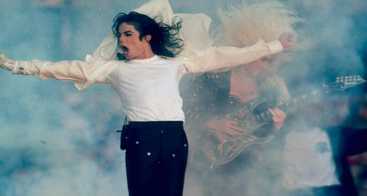 Photo of Michael Jackson performing at Super Bowl XXVII