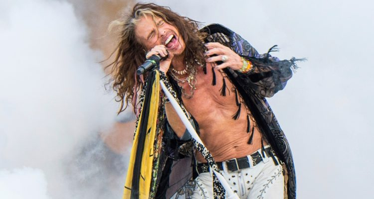 Photo of Steven Tyler performing at New Orleans Jazz and Heritage Festival