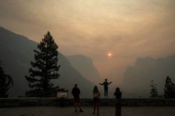 Photo of Ferguson Fire smoke filling Yosemite National Park