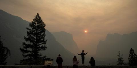 Photo of Ferguson Fire smoke filling Yosemite National Park