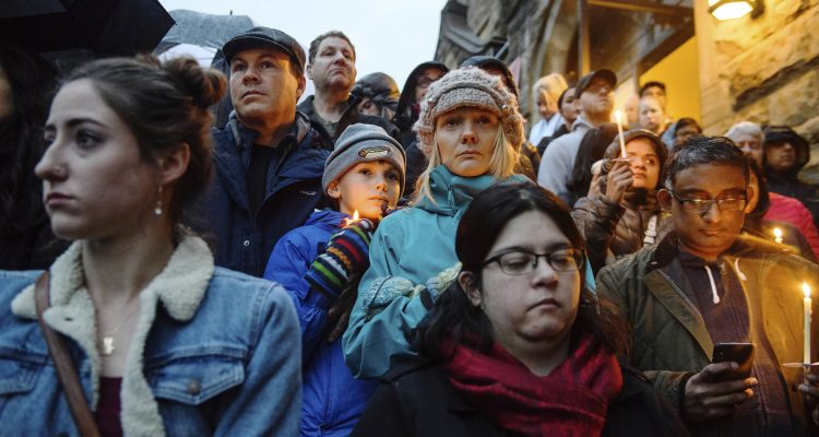Photo of vigil for the synagogue shooting victims