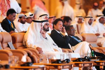 Photo of Pakistani Prime Minister Imran Khan and United Arab Emirates Prime Minister Sheikh Mohammad