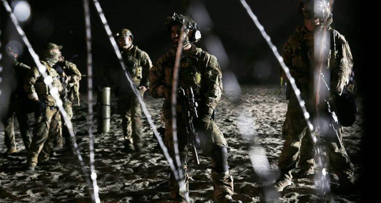 Photo of U.S. border patrol agents