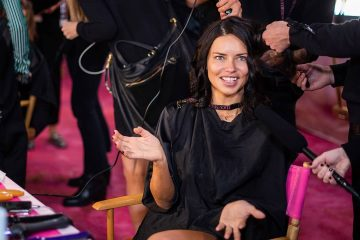 Photo of Adriana Lima backstage