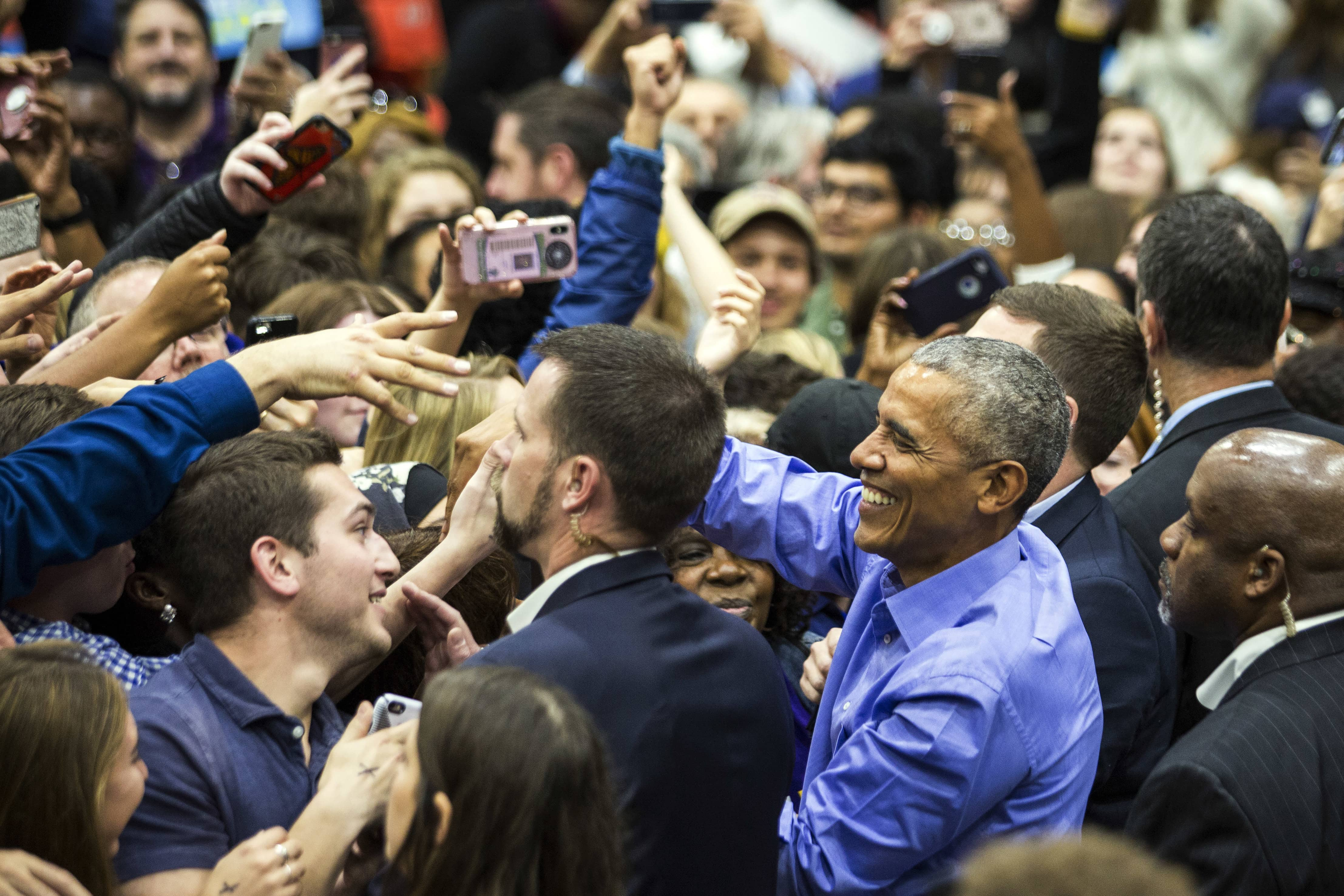 Photo of Barack Obama at a rally in Chicago