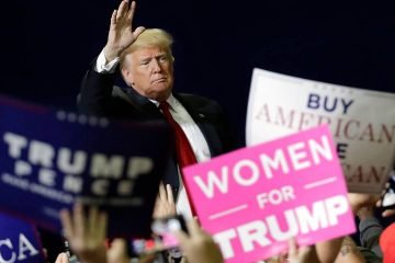 Photo of President Donald Trump at a rally in Tennessee