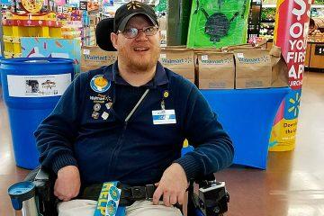 Photo of Walmart greeter John Combs in Vancouver, Washington