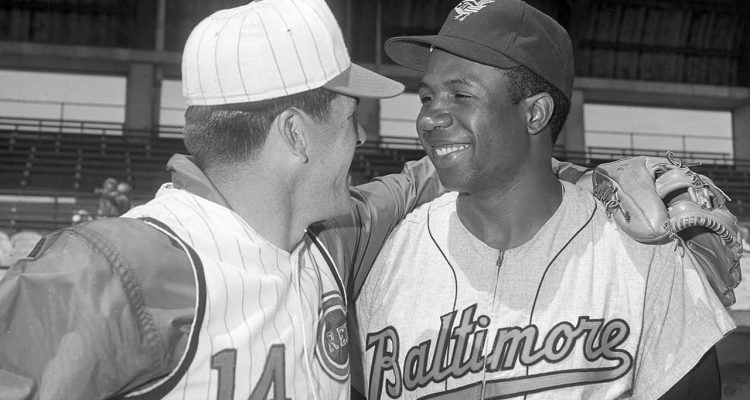 Photo of Pete Rose and Frank Robinson