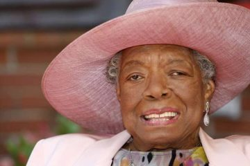 Photo of Maya Angelou in 2010