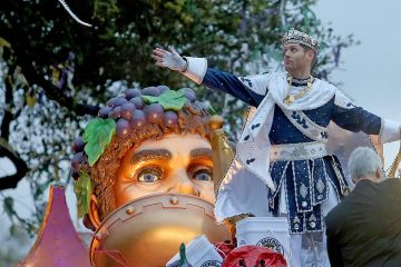 Photo of actor Jensen Ackles on a Mardi Gras float