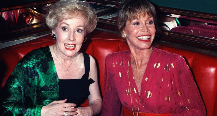 Photo of Mary Tyler Moore and Georgia Engel