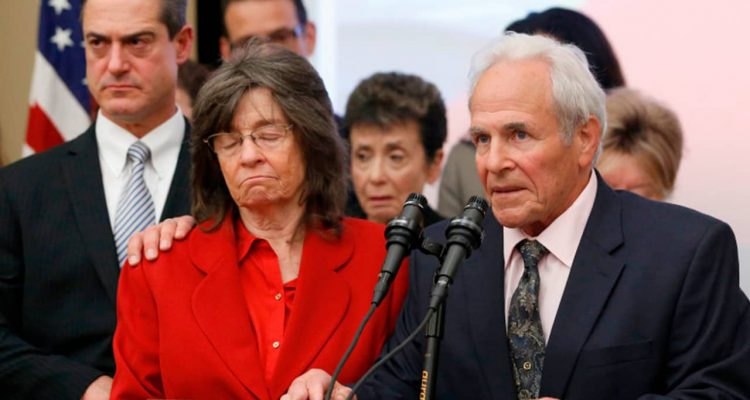 Photo of Steve Herr and his wife, Raquel