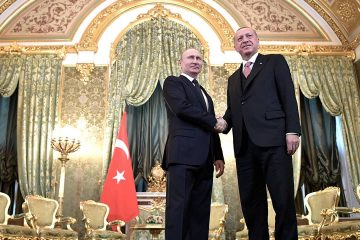 Photo of Russian President Vladimir Putin, left, and Turkish President Recep Tayyip Erdogan