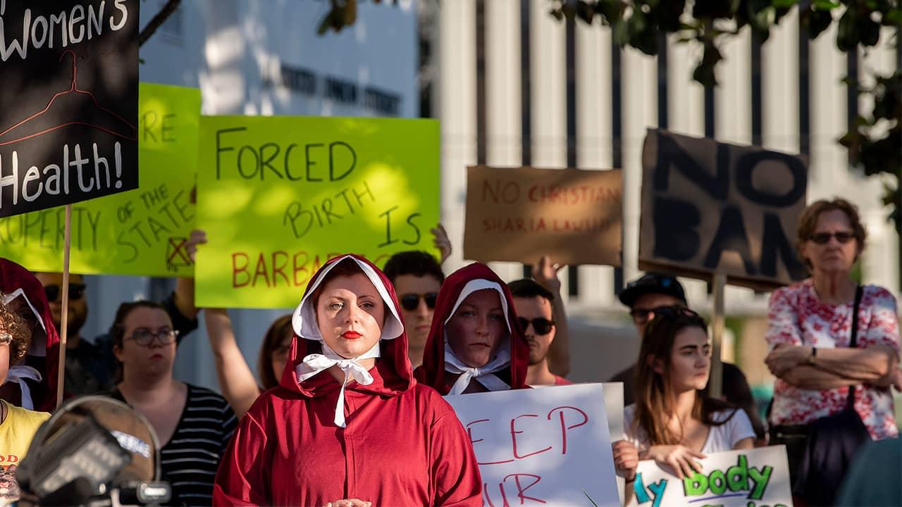 Photo of abortion ban protestors