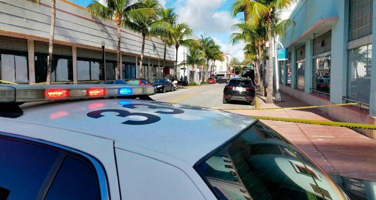 Photo of Miami Beach investigators
