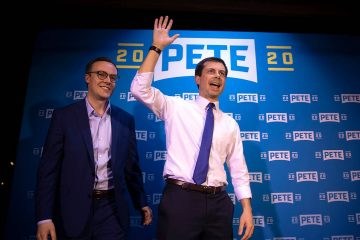 Photo of Pete Buttigieg and his husband Chasten Glezman