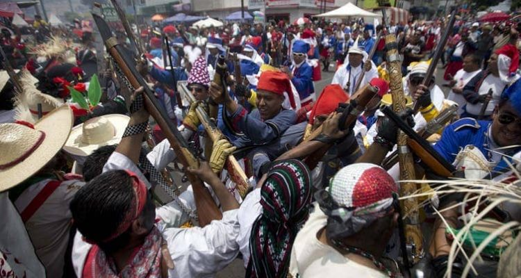 Photo of Mexicans representing indigenous soldiers and the French army
