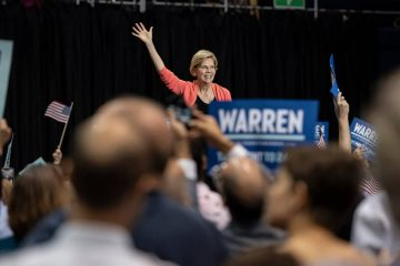 Photo of Elizabeth Warren