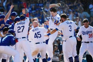 Photo of Los Angeles Dodgers celebrating