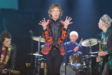 Photo of Mick Jagger, Ronnie Wood, Charlie Watts, and Keith Richards of The Rolling Stones