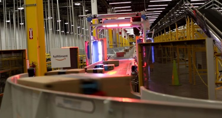 Photo of conveyor belt in Amazon fullfilment center