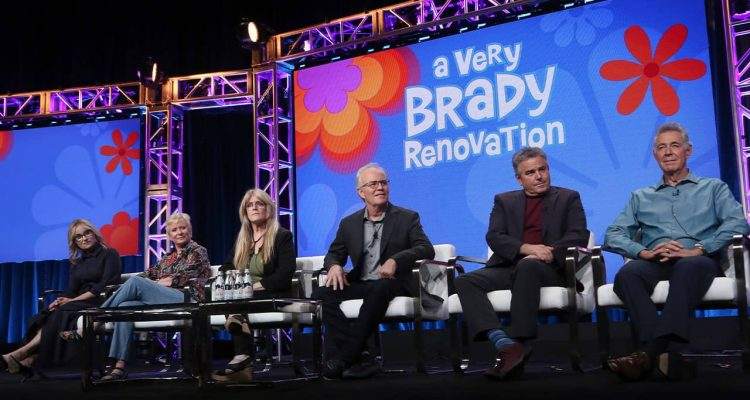 "Photo of the cast of ""The Brady Bunch"""