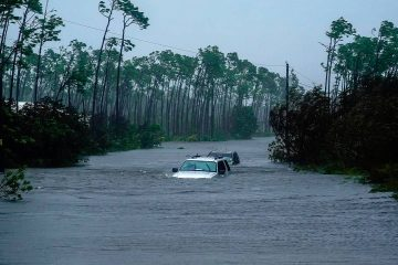 Photo of cars underway because of Hurricane Dorian's pounding rains