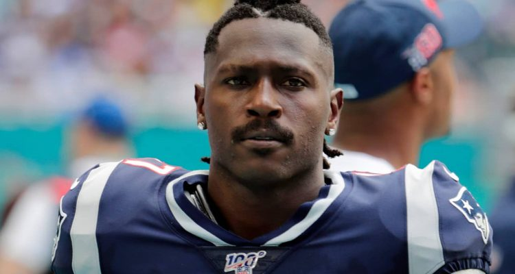 Photo of Antonio Brown in a New England Patriots uniform