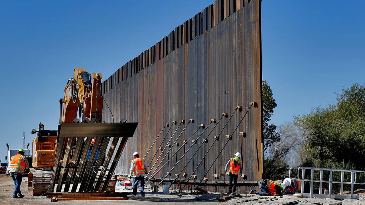 Photo of border construction in Yuma