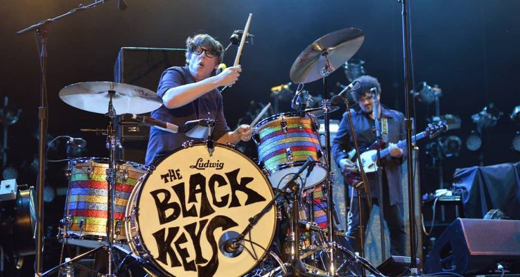 Photo of The Black Keys performing