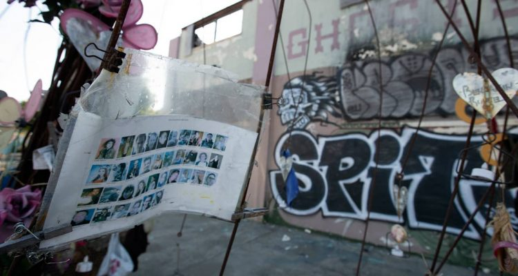 Photo of makeshift memorials to the victims of the Ghost Ship warehouse fire
