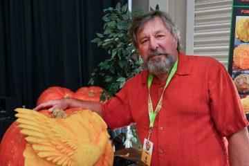 Photo of Master pumpkin carver Russ Leno