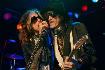Photo of Steven Tyler and Joe Perry