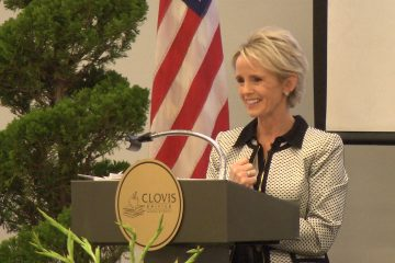 Photo of Clovis Unified superintendent Eimear O'Farrell speaking at a podium