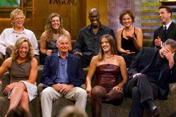 Photo of Survivor cast in 2000