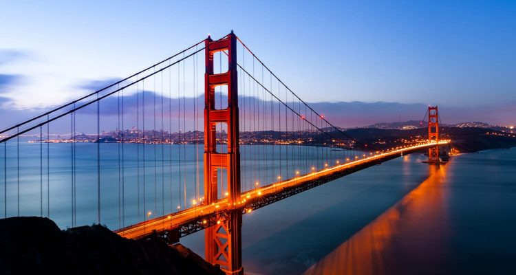 Photo of the Golden Gate Bridge symbolizing California's greatness