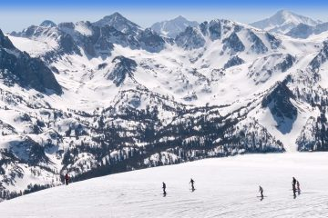 Photo of the Mammoth Mountain region of the SierraM