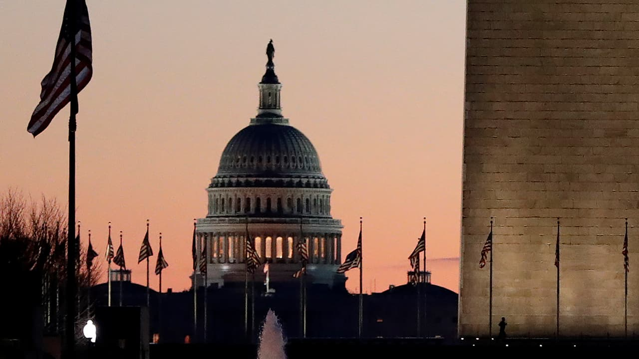 Photo of the U.S. Capitol at sunrise