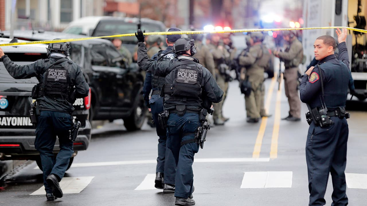 Photo of Port Authority police officers