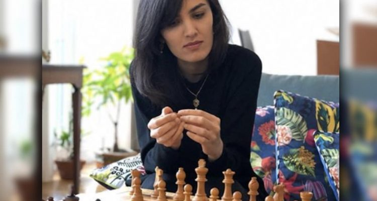 Photo of Iranian chess grandmaster Mitra Hejazipour
