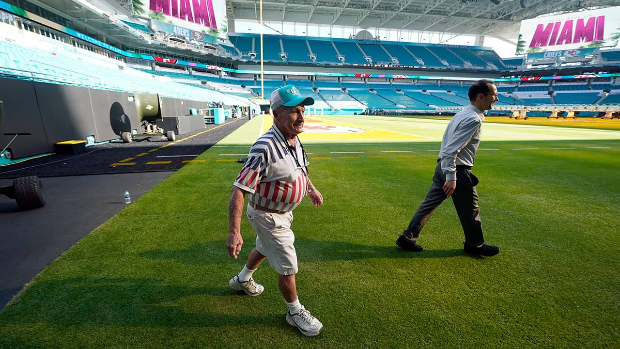 Photo of Super Bowl groundskeeper George Toma