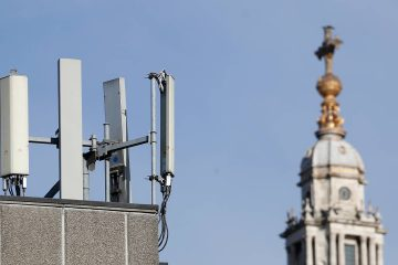 Photo of mobile network phone masts in front of St Paul's Cathedral in the City of London