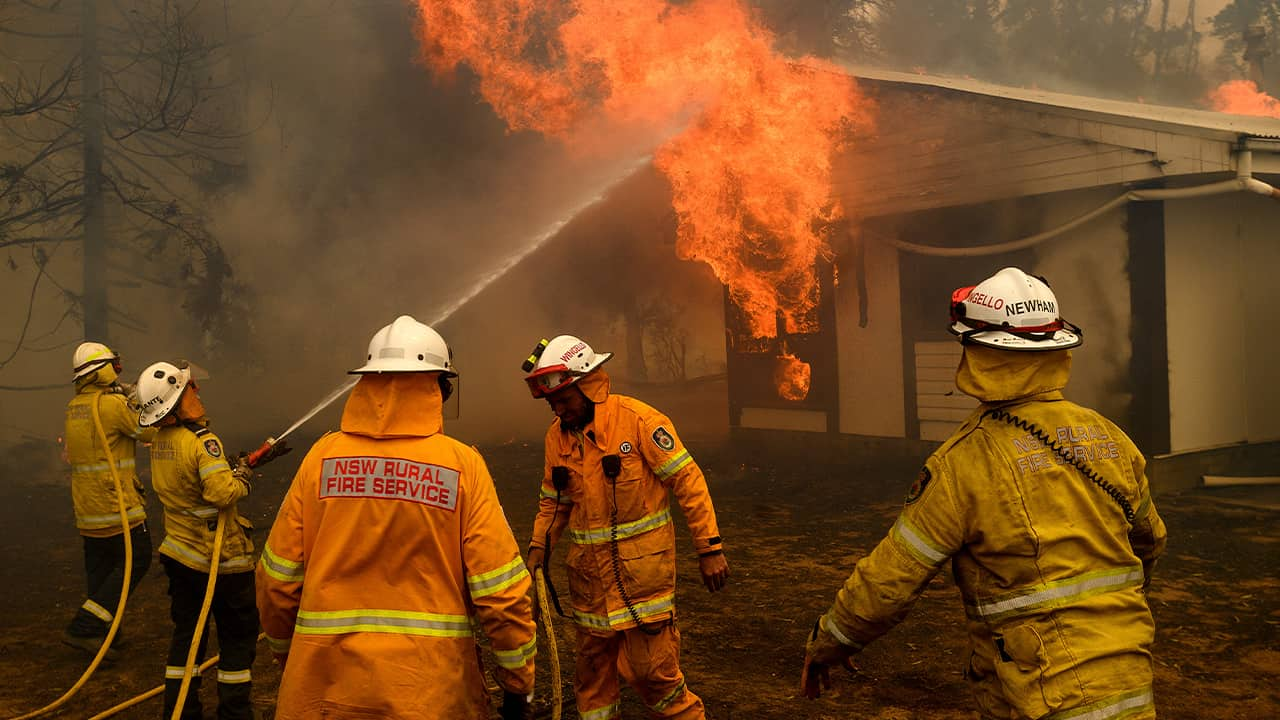 Photo of firefighters battling the Morton Fire