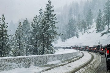 Photo of cars on the I-80 in Lake Tahoe