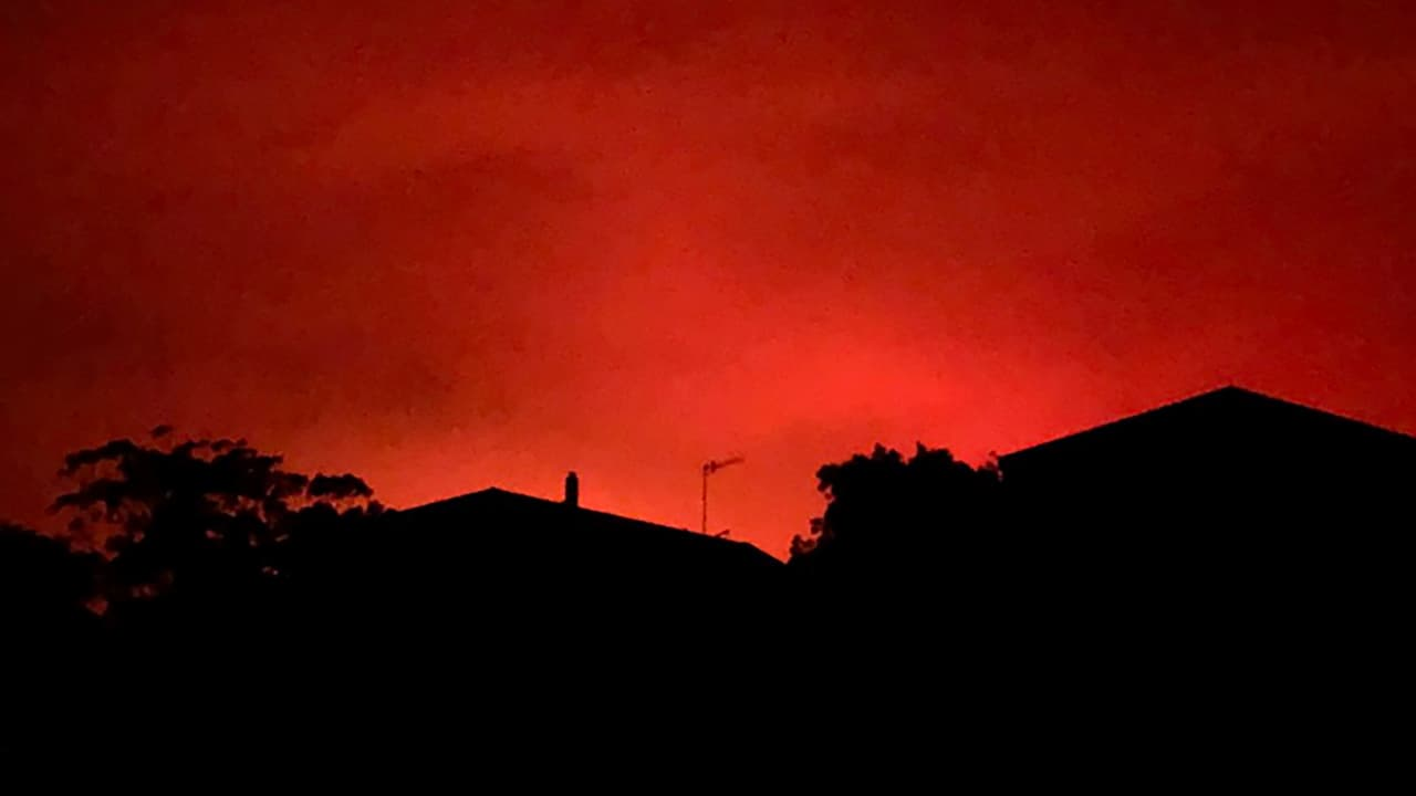Photo of a red sky from wildfires in Australia