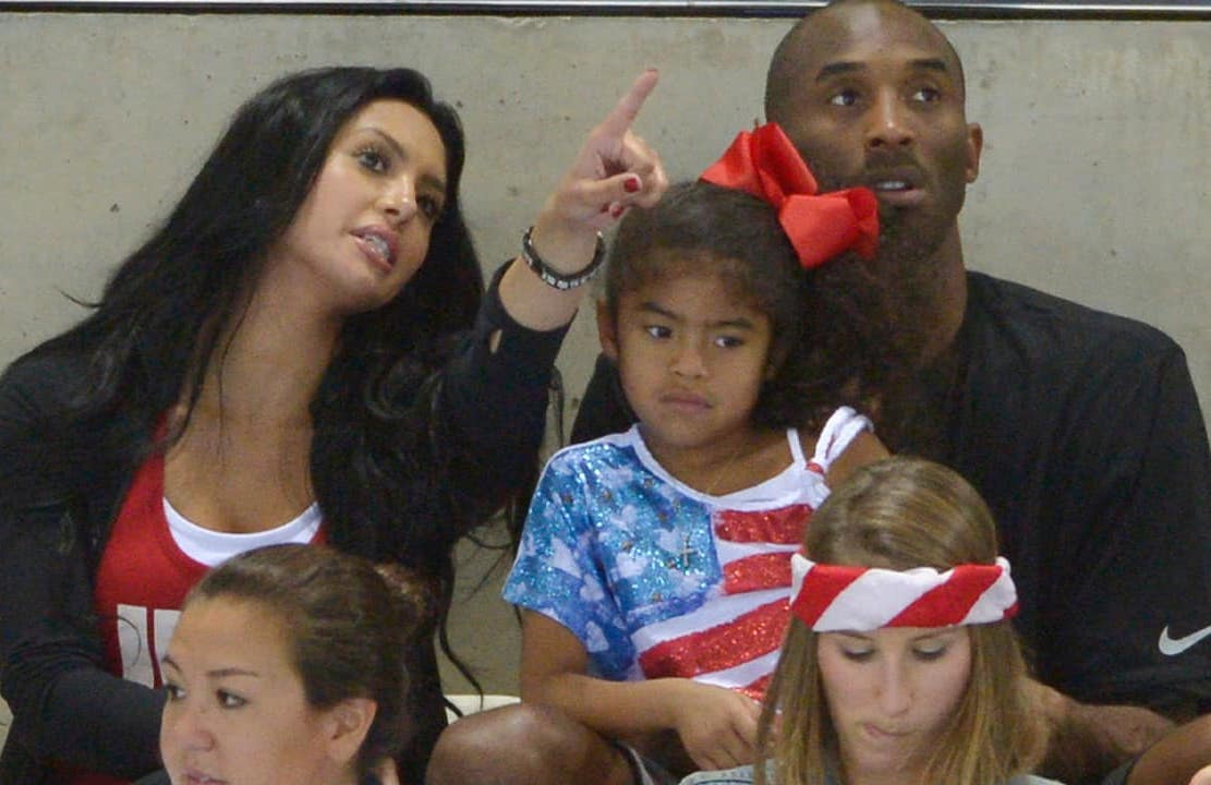Photo of Kobe Bryant with his wife Vanessa and daughter Gianna in 2012
