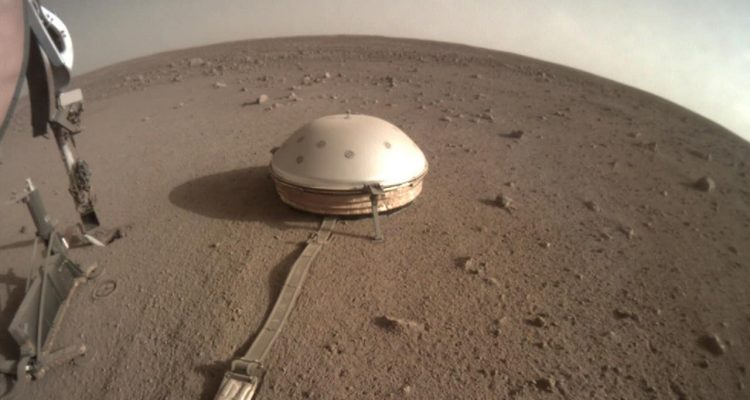 Photo of InSight on Mars