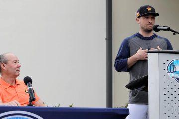 Photo of Houston Astros' Alex Bregman and Astros owner Jim Crane